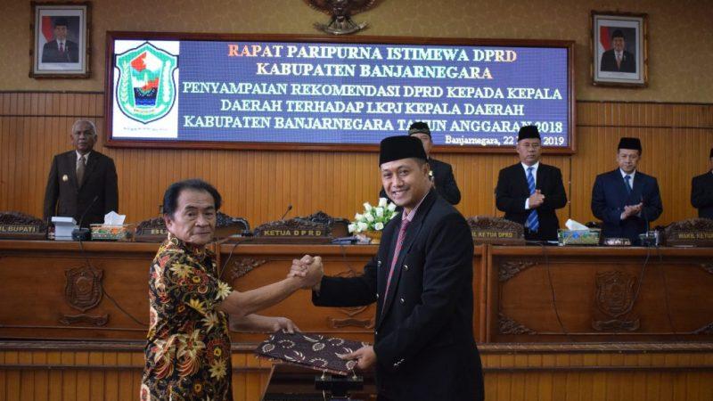 Penyampaian Rekomendasi DPRD Kepada Kepala Daerah