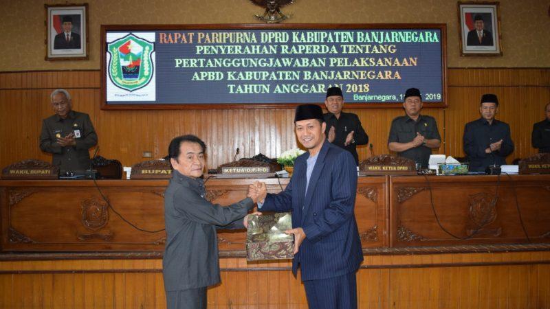 Penyerahan Raperda Tentang Pertanggungjawaban Pelaksanaan APBD Kabupaten Banjarnegara TA 2018 dan Halal Bil Halal