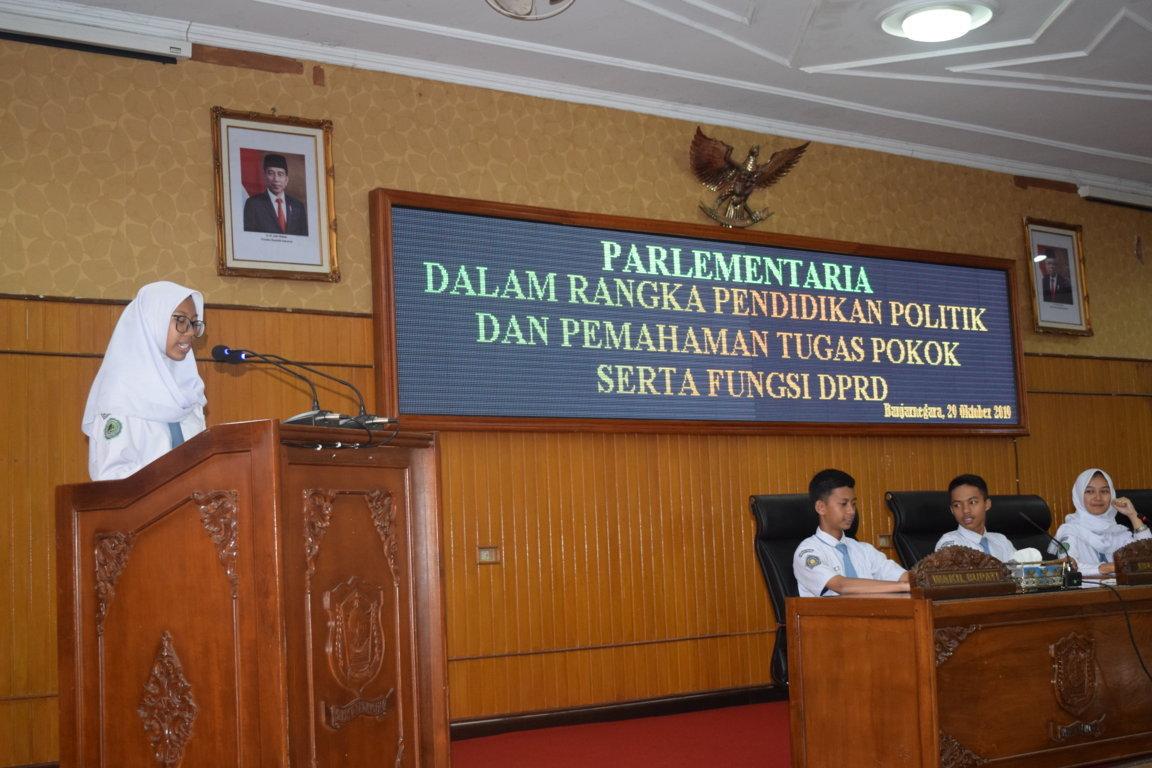 DPRD Gelar Kegiatan Pendidikan Politik untuk siswa SLTA