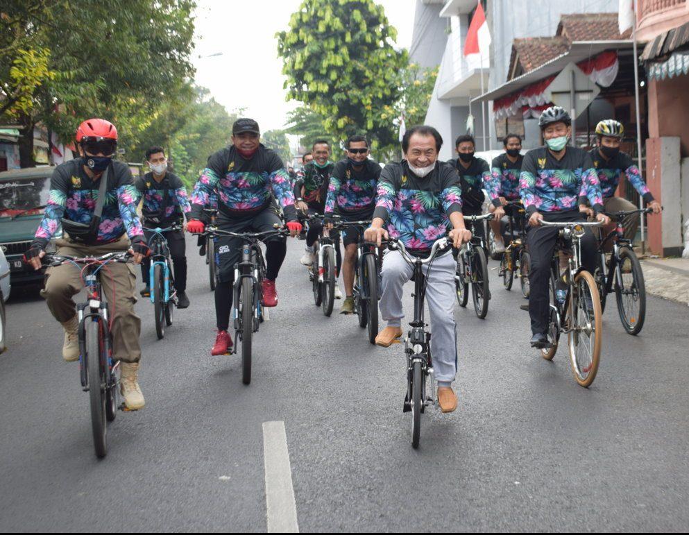 """""""Sepeda Santuy"""" dalam rangka memeriahkan HUT RI 75"""